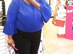 Candid Ebony Fat-head Thick Granny busted me