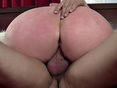 BBW screws a younger bloke together with gets orgasms