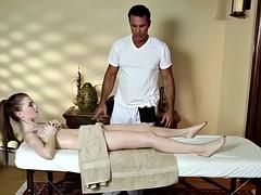 alluring massage babe deepthroats big cock